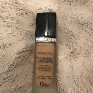 Dior Makeup - Dior skin forever foundation shade 010